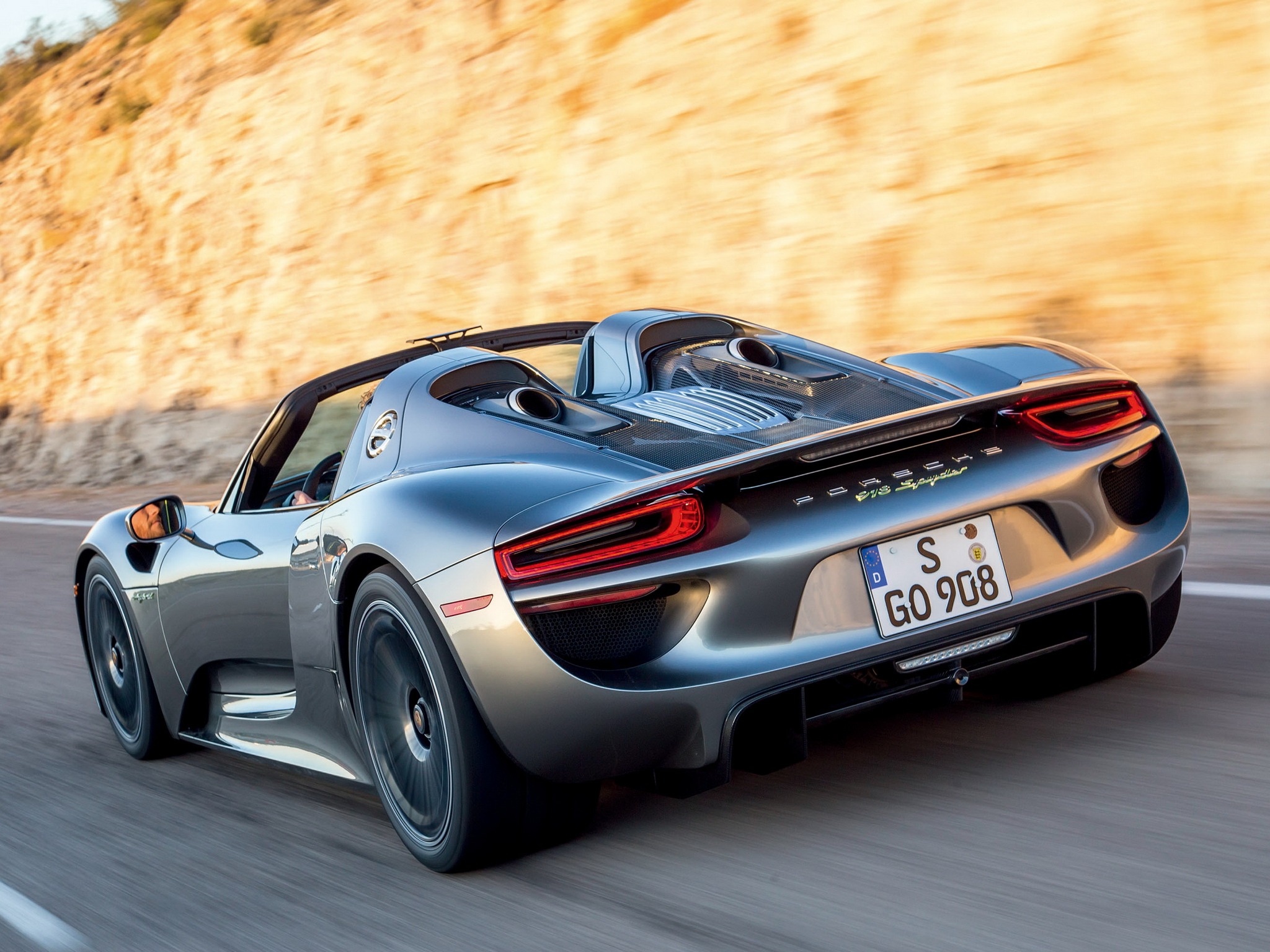2014 porsche 918 spyder us spec g wallpaper 2048x1536 197990 wallpaperup. Black Bedroom Furniture Sets. Home Design Ideas