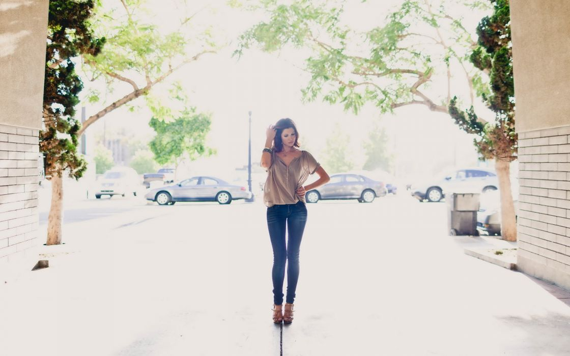 brunettes women jeans gap overexposure streetscape wallpaper