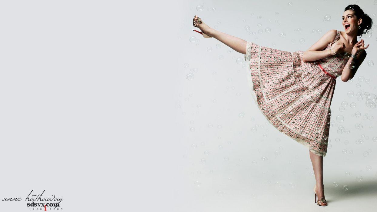 women Anne Hathaway models wallpaper