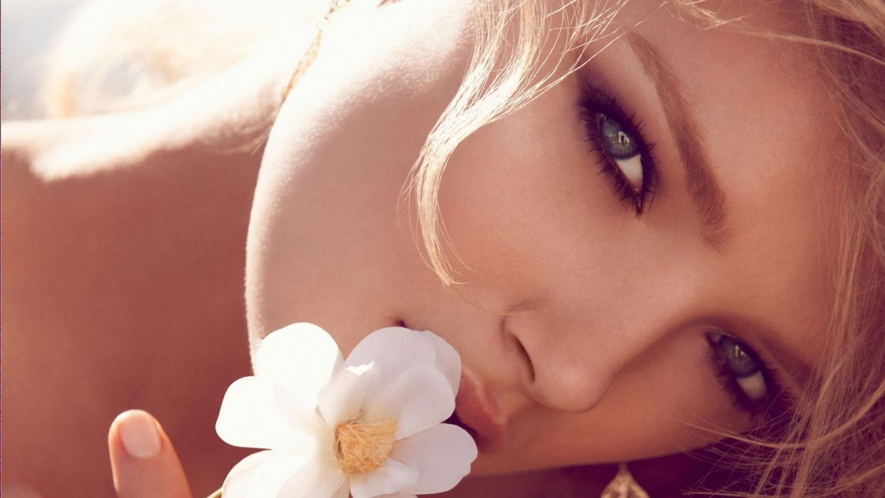 blondes women nature flowers models gray eyes wallpaper