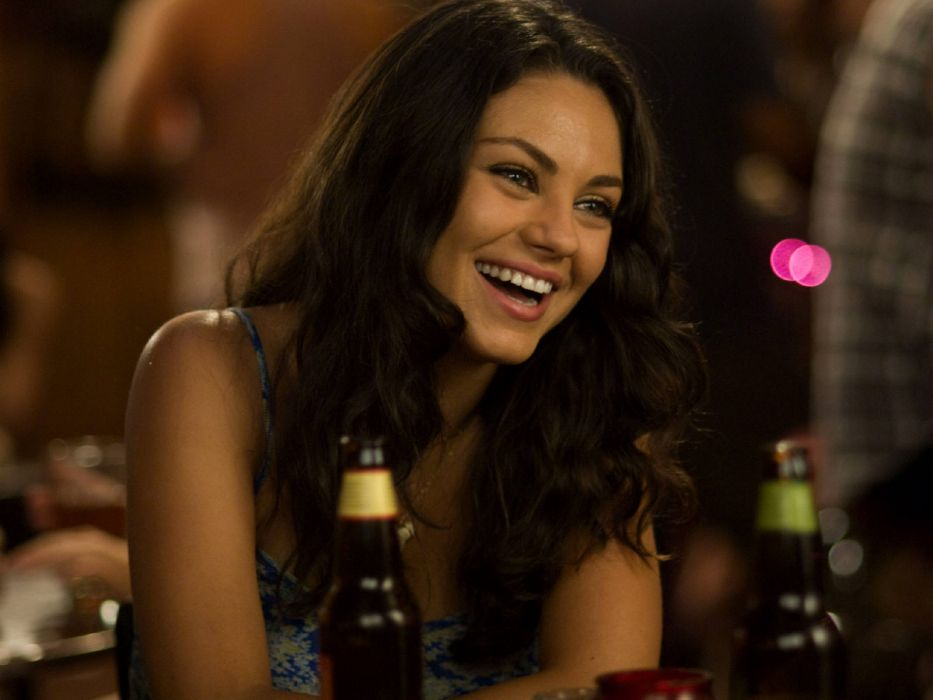 women Mila Kunis actress smiling Forgetting Sarah Marshall wallpaper