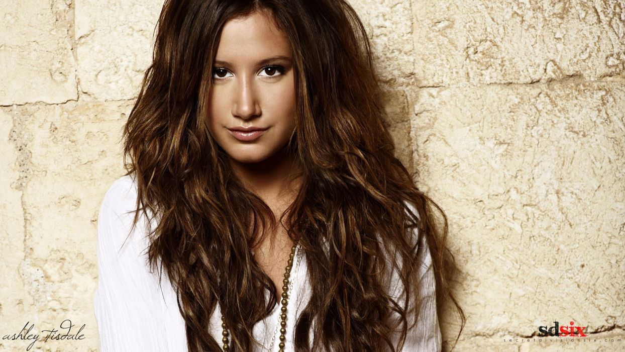 women models Ashley Tisdale wallpaper