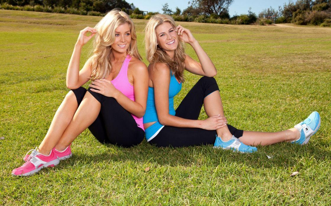 women sports grass models couple wallpaper