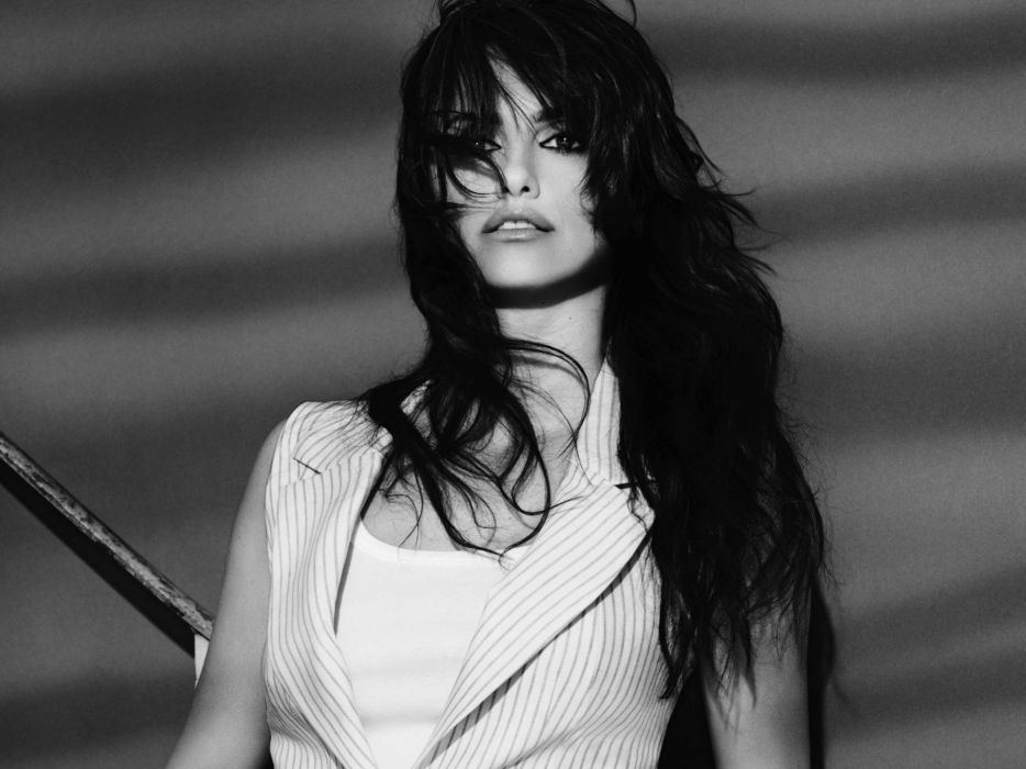 brunettes women actress Penelope Cruz monochrome wallpaper