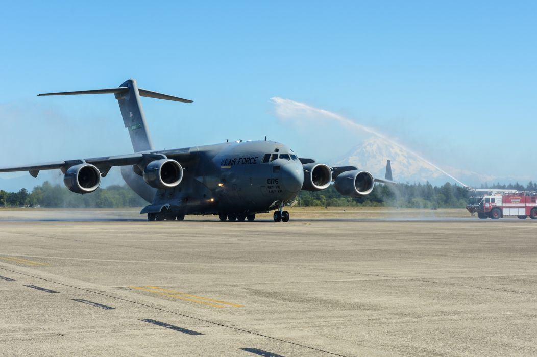 C-17 GLOBEMASTER airplane plane aircraft military firetruck emergency     g wallpaper