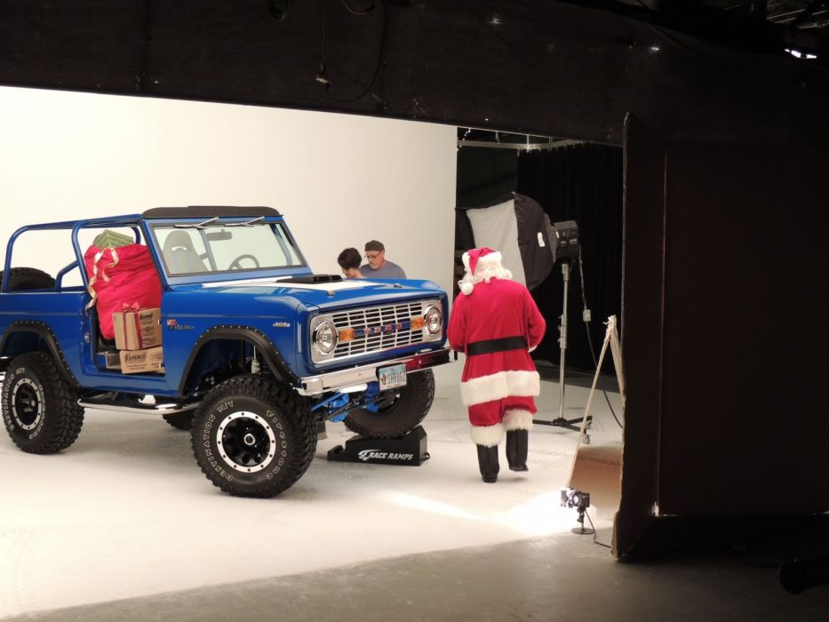 ford bronco 4x4 suv santa christmas       f wallpaper