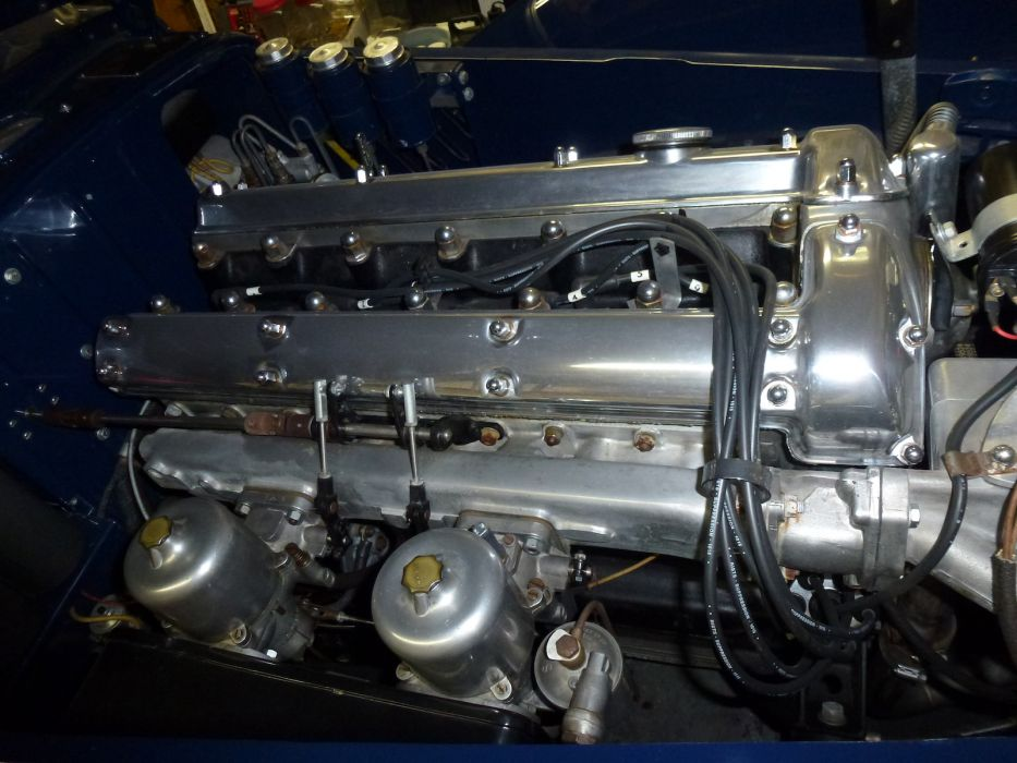 Jaguar Aerodyne custom classic engine      g wallpaper