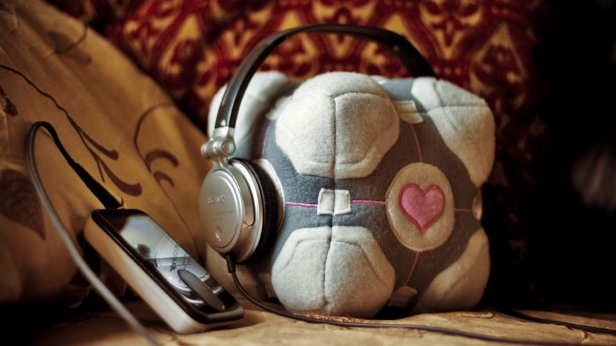 headphones Companion Cube wallpaper
