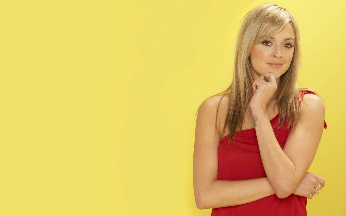 blondes women yellow wallpaper