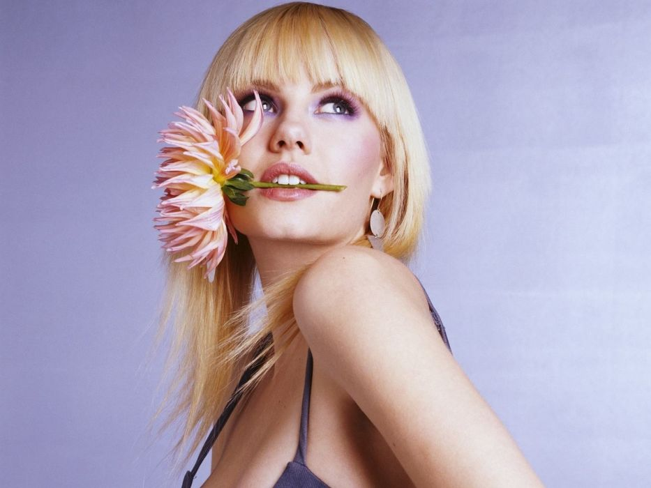 blondes women Elisha Cuthbert flowers wallpaper