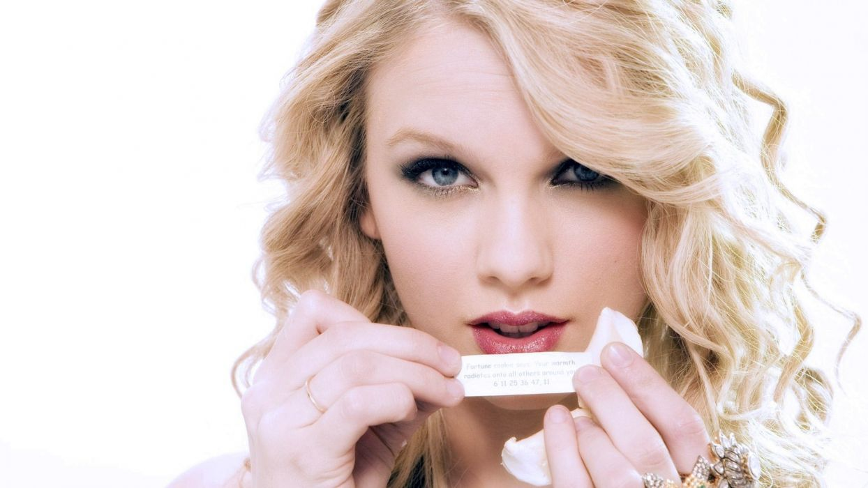blondes women Taylor Swift celebrity fortune cookies wallpaper