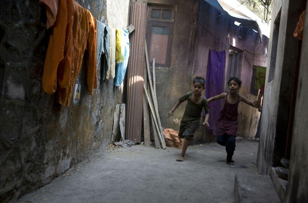 SLUMDOG MILLIONAIRE Crime Drama Romance Thriller child children kids  fp wallpaper