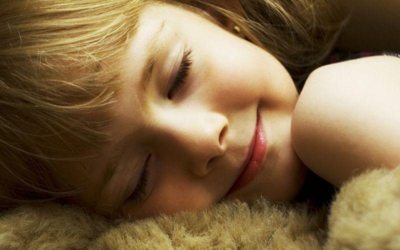 sleeping girl face smile child mood wallpaper