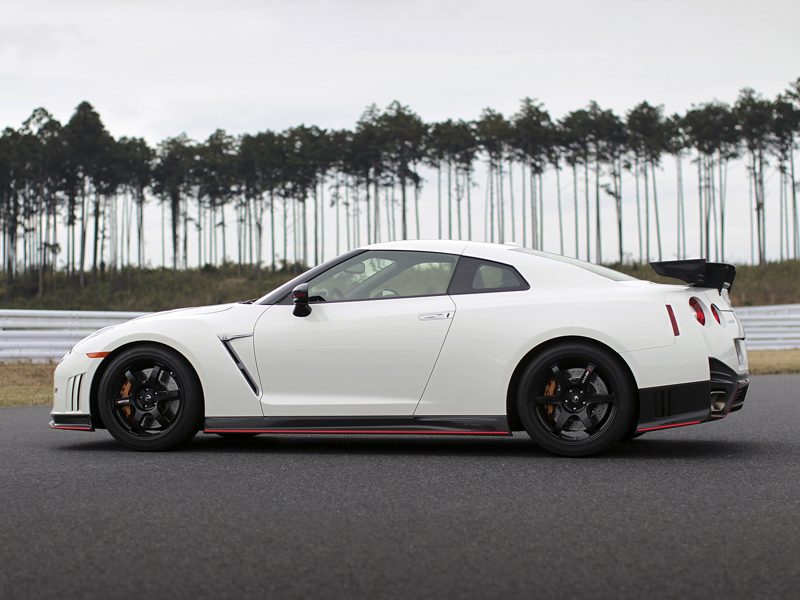 2014 nismo nissan gt r r35 supercar g wallpaper 1600x1200 202235 wallpaperup. Black Bedroom Furniture Sets. Home Design Ideas