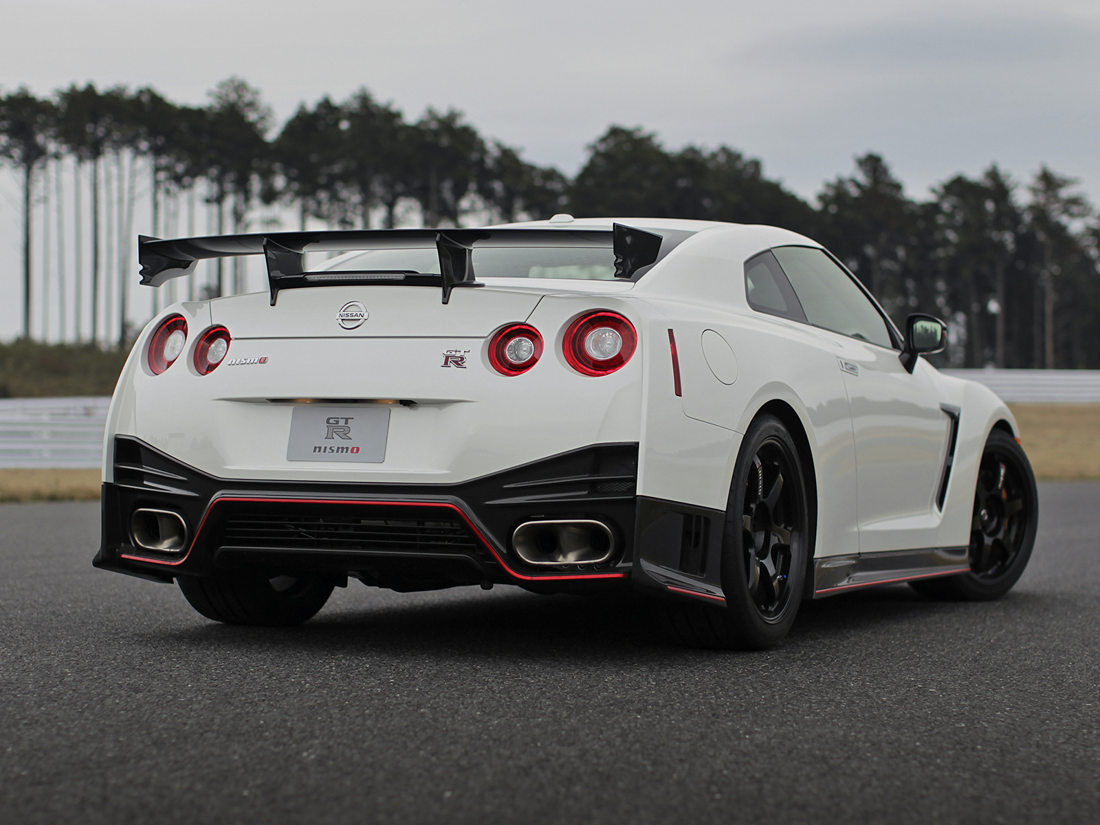 nissan skyline gtr r35 2014 images. Black Bedroom Furniture Sets. Home Design Ideas