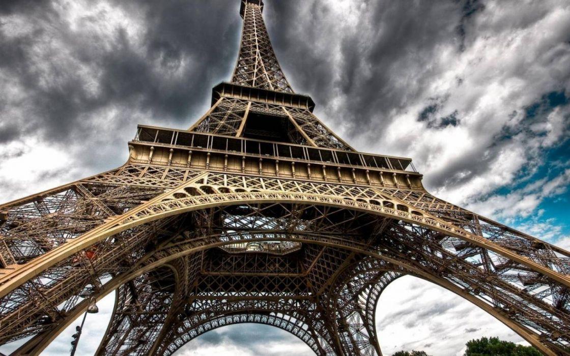 Eiffel Tower Paris skies wallpaper