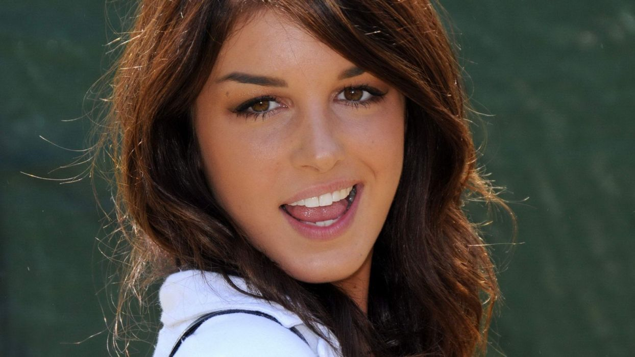 brunettes women smiling Shenae Grimes wallpaper
