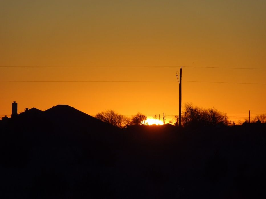 horizon The Sun peeking wallpaper