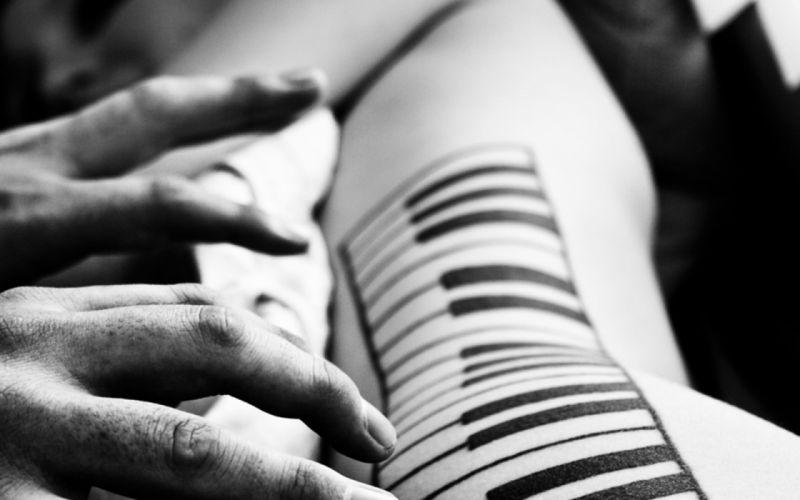 women piano wallpaper