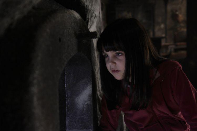 DONT-BE-AFRAID-OF-THE-DARK dark horror afraid girl child g wallpaper