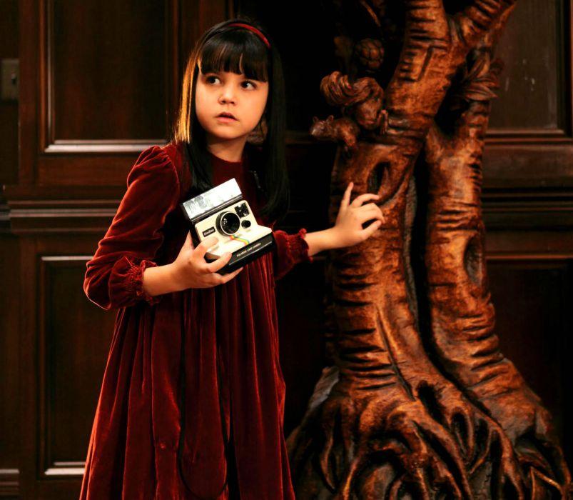 DONT-BE-AFRAID-OF-THE-DARK dark horror afraid girl child camera     g wallpaper
