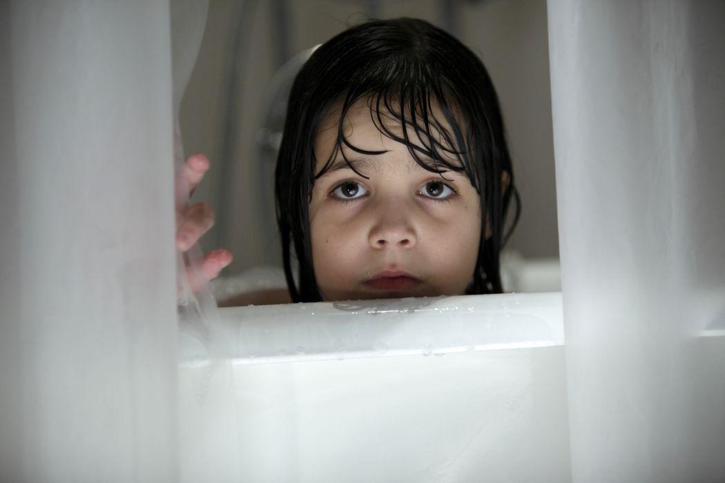 DONT-BE-AFRAID-OF-THE-DARK dark horror afraid girl child mood window      f wallpaper