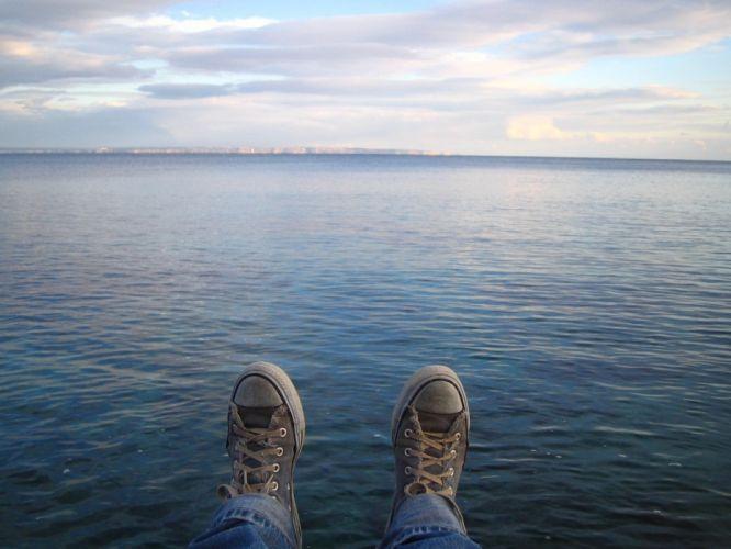 water feet Converse wallpaper