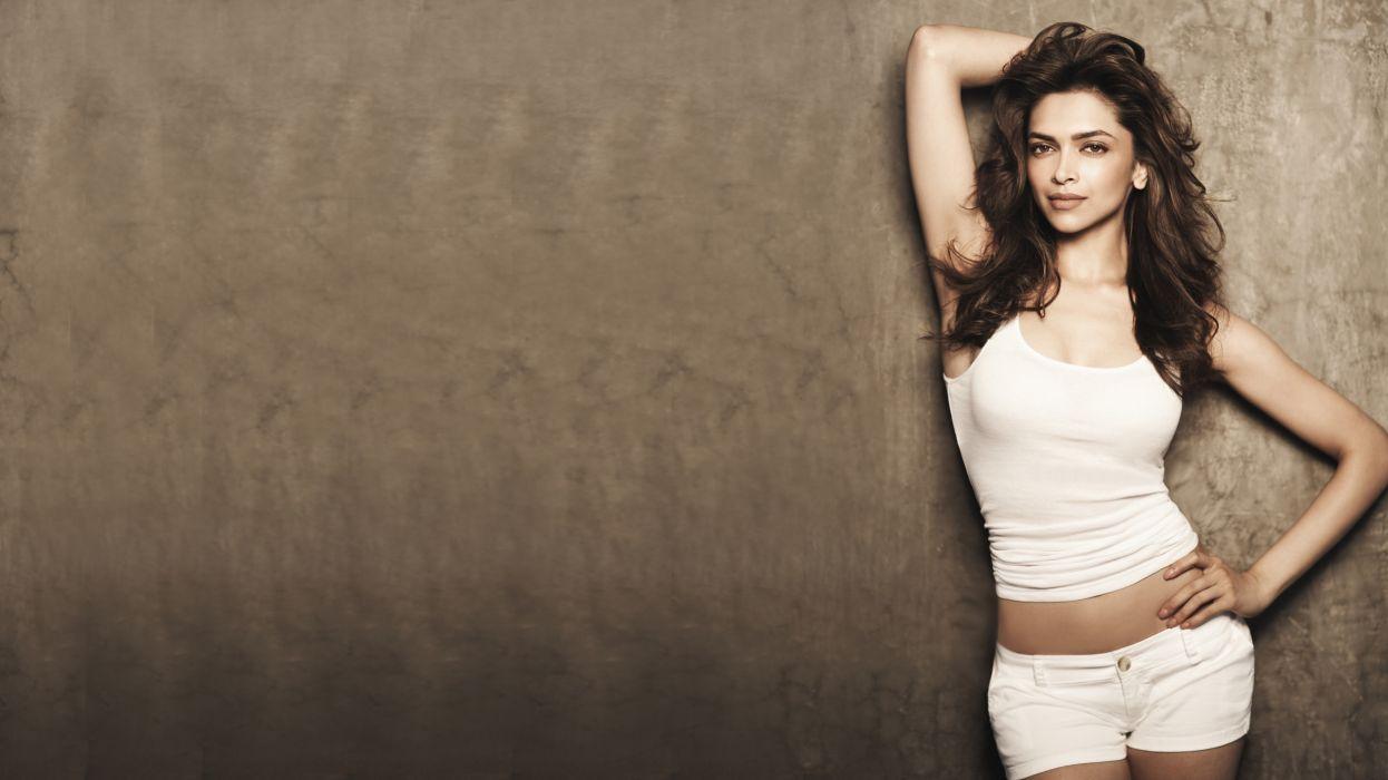 deepika padukone bollywood celebrity indian blonde women model hot