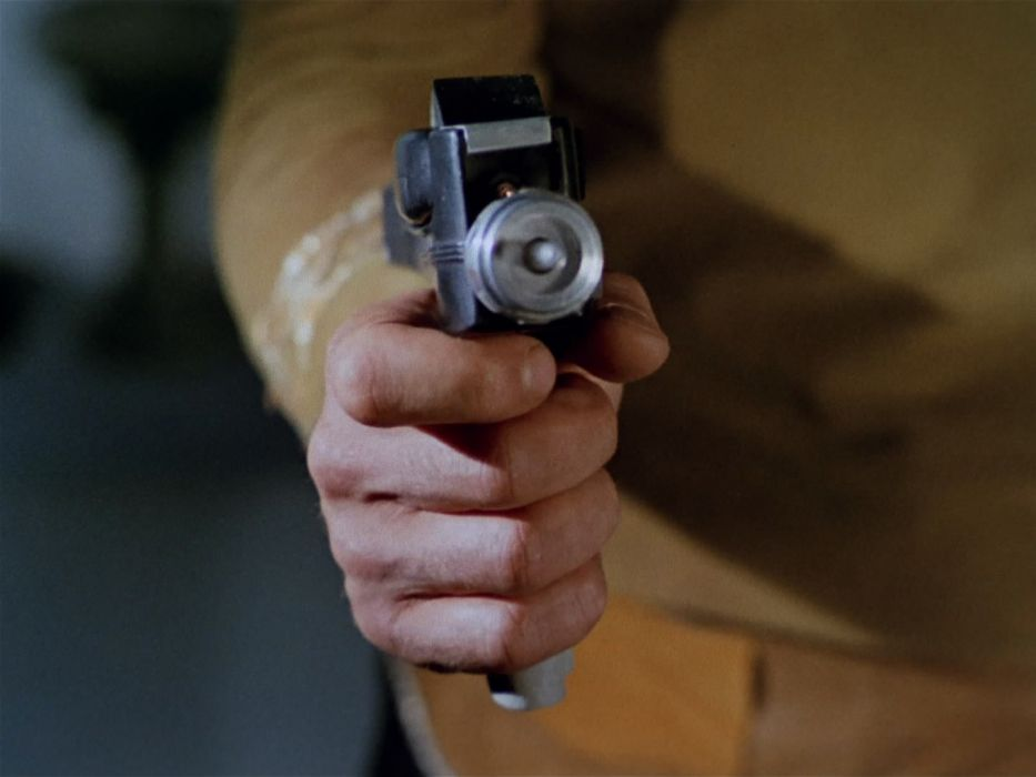 STAR TREK sci-fi action adventure television weapon gun   tu wallpaper