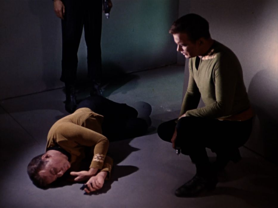 STAR TREK sci-fi action adventure television the-enemy-within (290) wallpaper