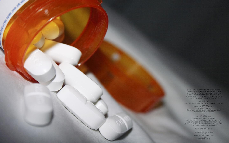 medicine bottles pills wallpaper 1440x900 209860