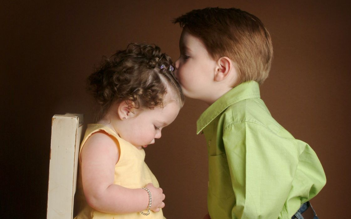 boy girl kids kiss wallpaper