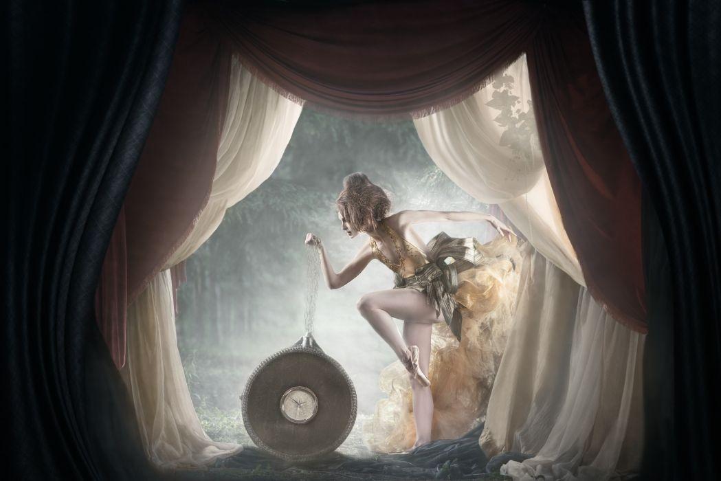 Esthel Racine ballerina clock creative wallpaper