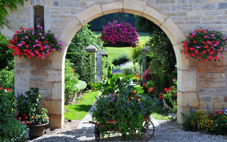 France Gardens Petunia Geranium Nature wallpaper