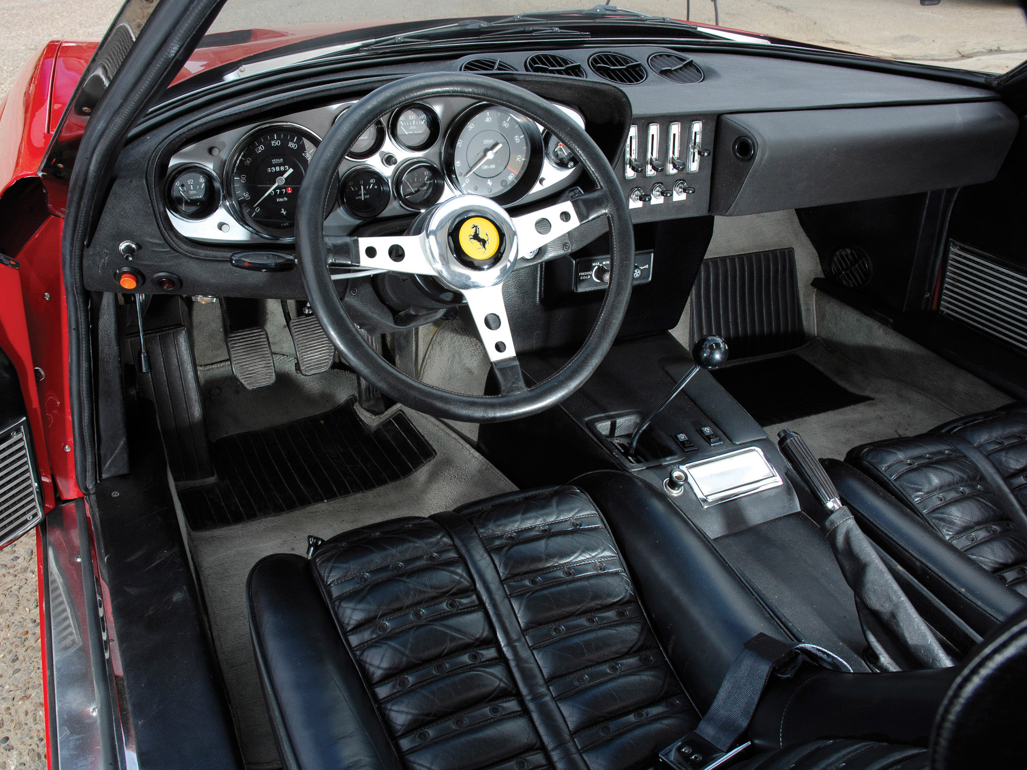 1971 73 Ferrari 365 GTB4 Daytona Supercar Interior H