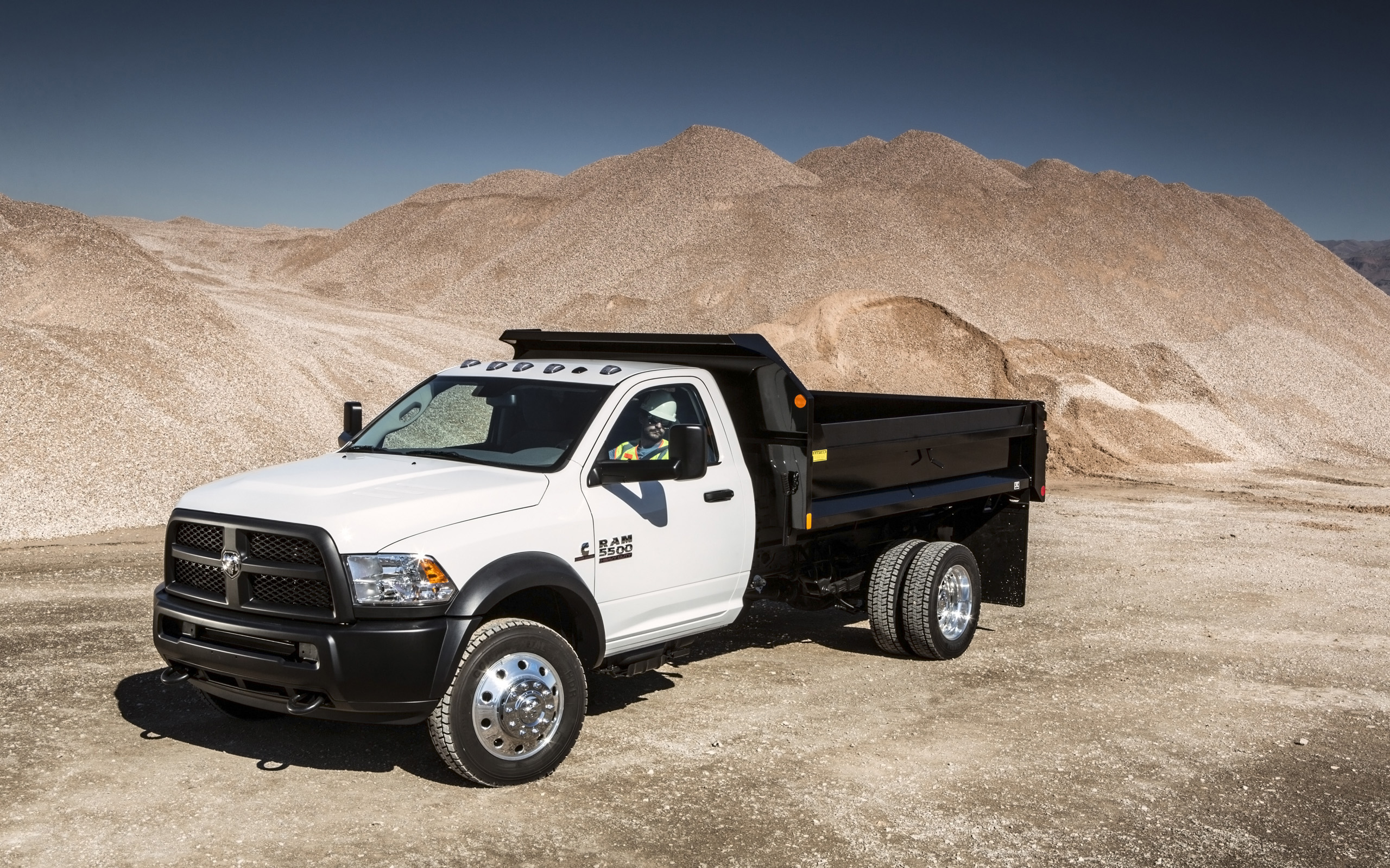 2014 dodge ram 5500 4x4 chassis cab rw wallpaper for 5500 3