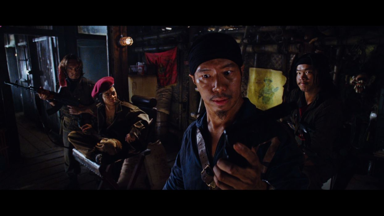 TROPIC THUNDER action comedy military weapon (3) wallpaper