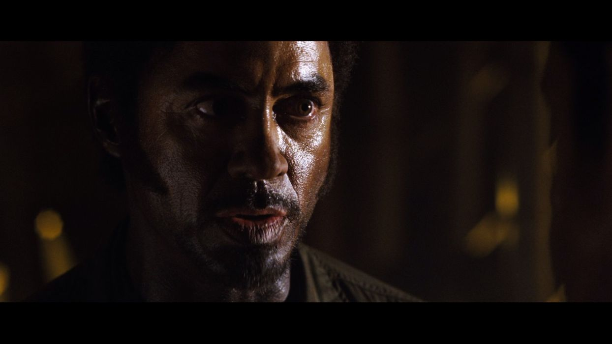 TROPIC THUNDER action comedy military weapon (25) wallpaper