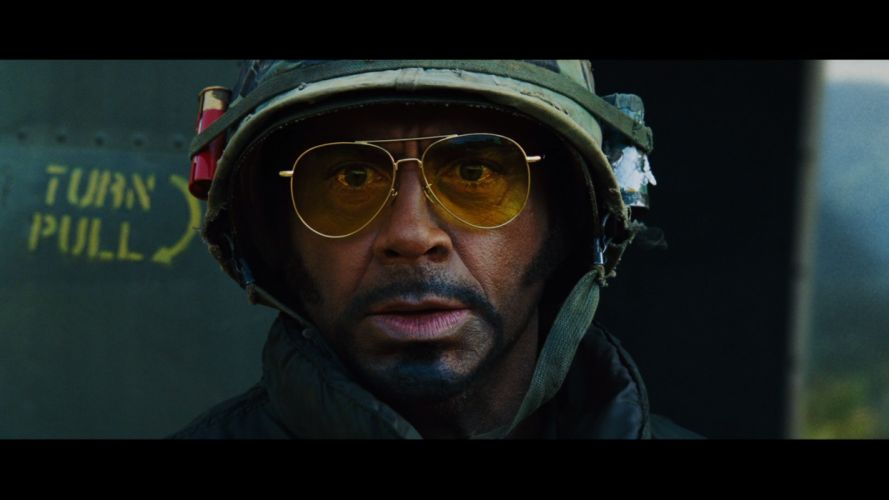 TROPIC THUNDER action comedy military weapon (33) wallpaper