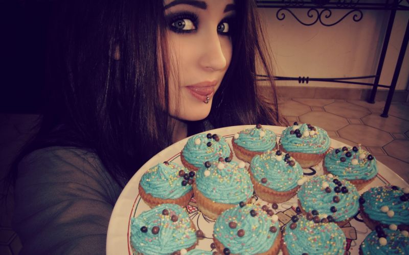 brunettes women cupcakes piercings Lolina Green Niky Macabre wallpaper