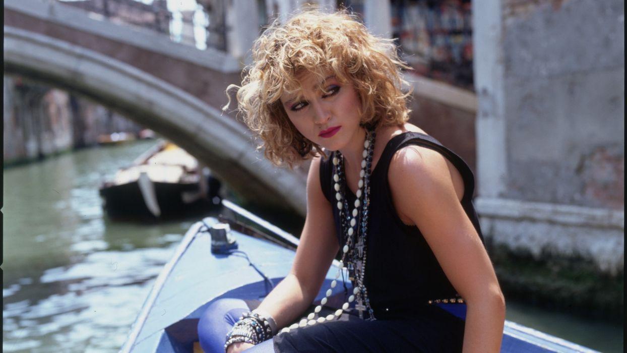 blondes women Venice Madonna singers necklaces 80's wallpaper