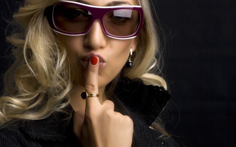 blondes women sunglasses wallpaper