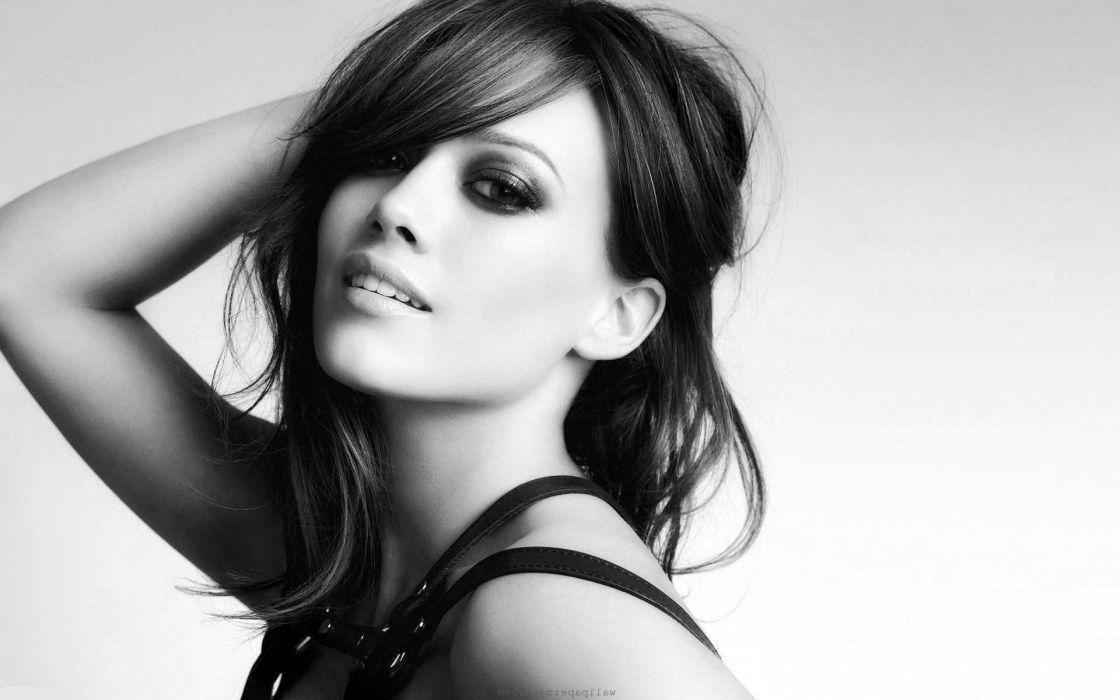 women black and white fashion Hilary Duff USA designer charm wallpaper