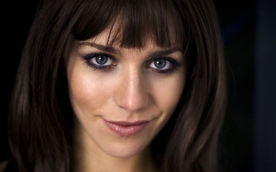 brunettes women blue eyes actress celebrity Julia Dietze wallpaper