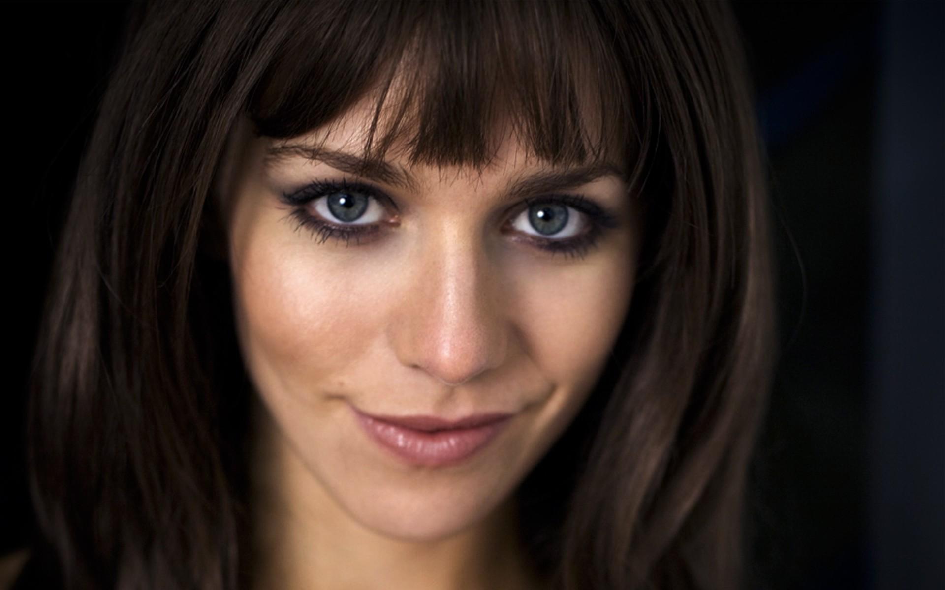 56 Best blue eyed brunette images   Beauty makeup ...