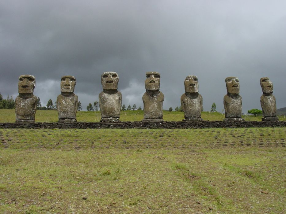 statues Easter Island moai wallpaper