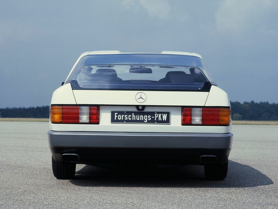 1981 Mercedes Benz Auto 2000 Concept stationwagon  f wallpaper