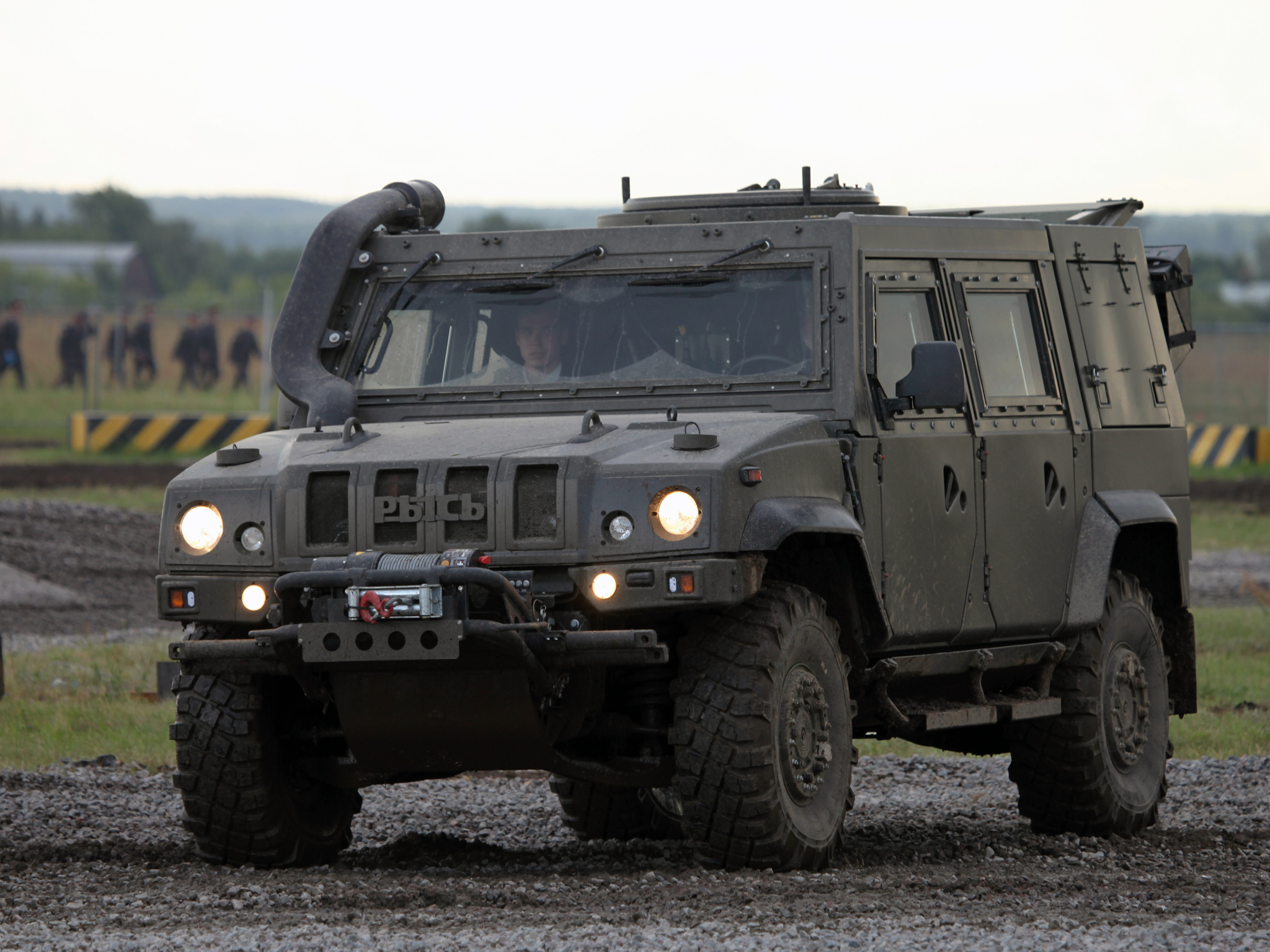 2011 iveco lmv lynx m65 4x4 military g wallpaper 2048x1536 214876 wallpaperup. Black Bedroom Furniture Sets. Home Design Ideas
