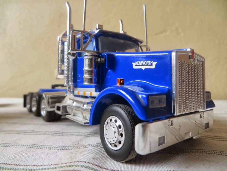 KENWORTH W900 semi tractor (35) wallpaper