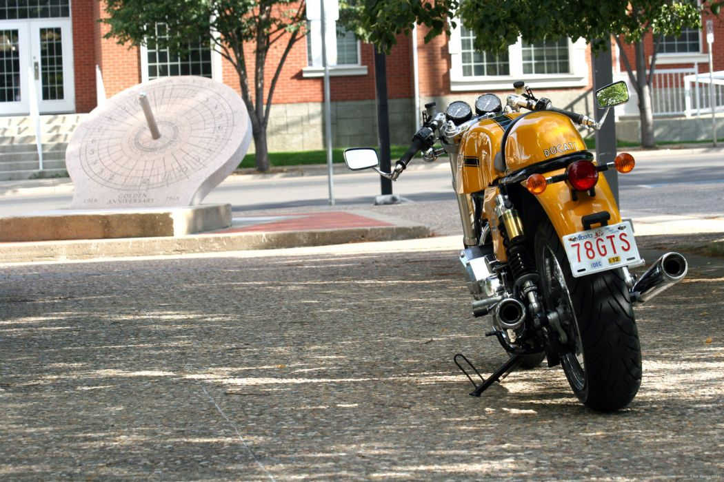DUCATI 900 motorbike bike (41) wallpaper